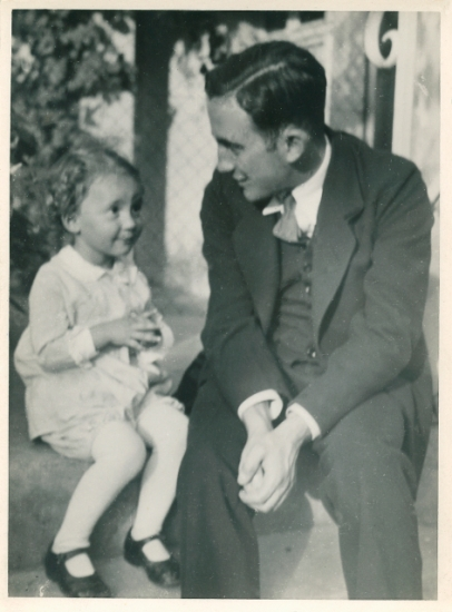 Johannes Höber  with his daughter, Susanne, around the time he bought his pistol.  To me he doesn't look much like a candidate for an armed anti-Nazi militia.