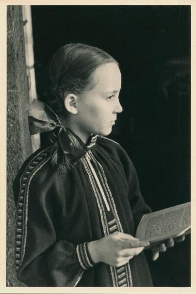 Susanne Höber, Düsseldorf, Christmas 1938.