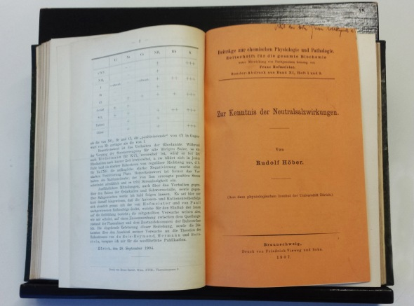 "Bound volume of articles written by Höber, opened to an article entitled ""Observations on the Operations of Neutral Salts,"" Braunschweig, 1907"