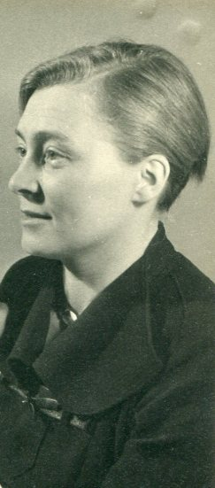Elfriede Höber around the Nazis arrested  Johannes.