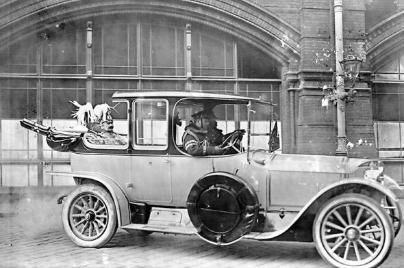 Kaiser Wilhelm II in an open car. This is probably what he looked like when Johannes saw him at the outbreak of World War I.